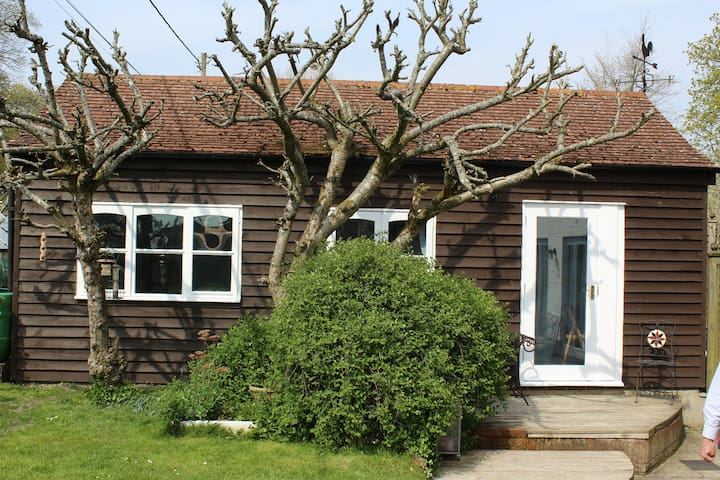 Charming Studio & Breakfast in Vale of Pewsey