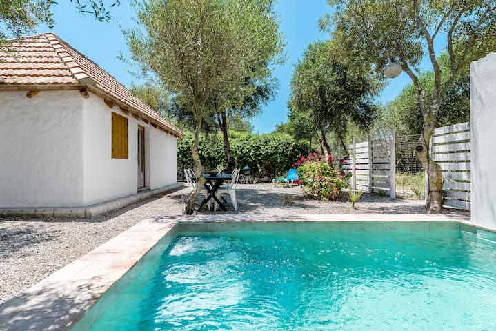 Charming cottage with private pool - Casa El Castaño