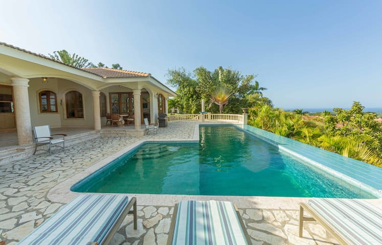 Private 3 Bedroom Villa in Panorama Village with Amazing Views