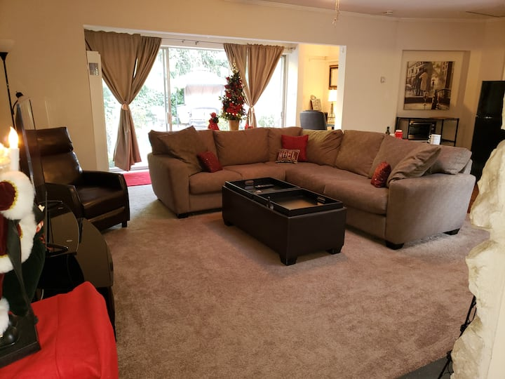 GREAT GUEST HOUSE OASIS/PRIVATE/LARGE/PRIVATE POOL
