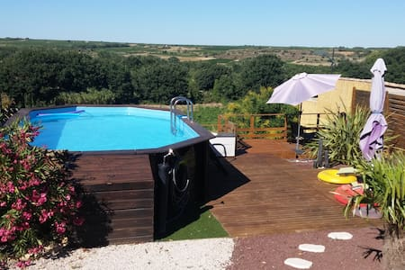 Nice and sunny house with pool, and Boule Court - Casa
