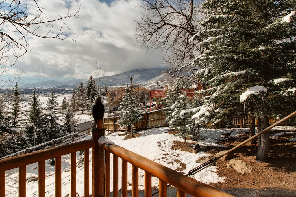 Pour a mug of coffee and enjoy the views of Heber Valley