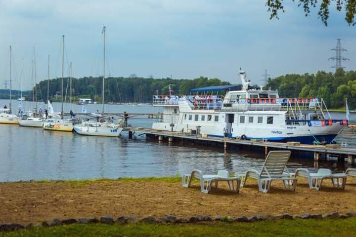 Апартаменты на 10 гостей в яхт-клубе - Novogryaznovo