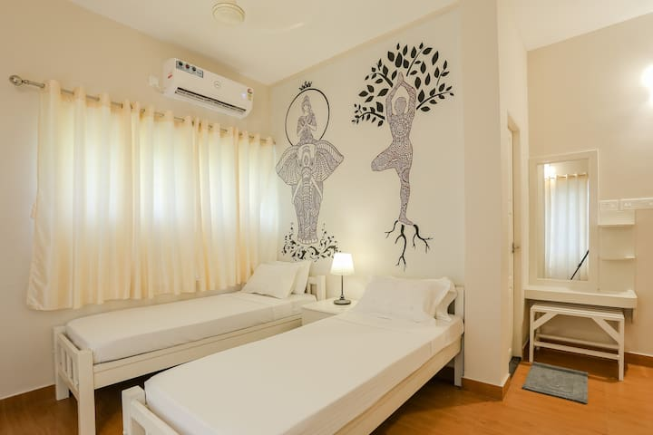 Twin-Bedded room in a Beautiful Homestay @ Cochin