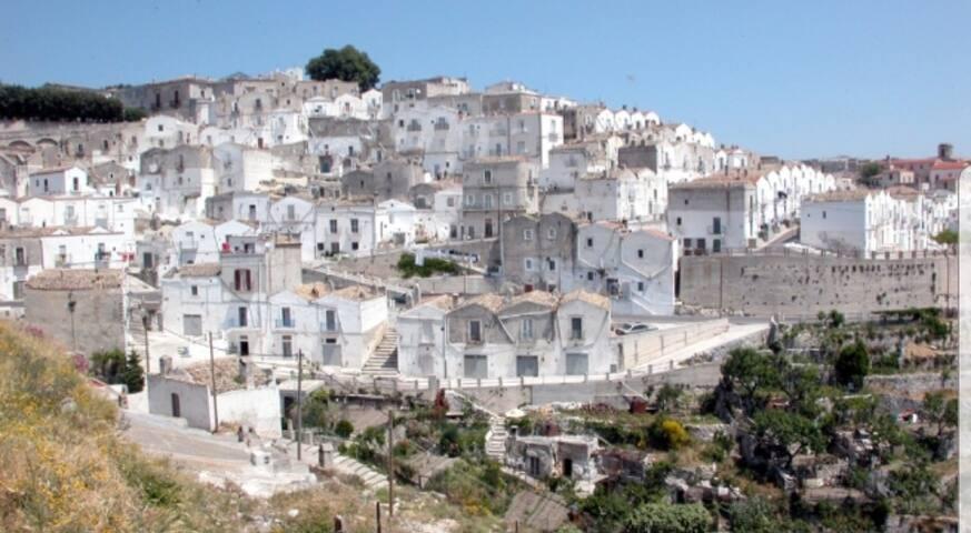 """Casa nel centro storico """"Junno"""", Monte S. Angelo"""