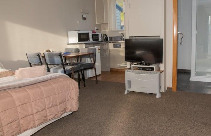 2 Bedroom Motel Unit Sleeps 6