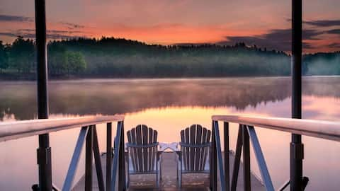 Lake James Deep Water Cove, Screen Porch & Kayaks!