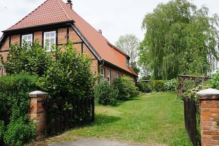 Atelierwohnung im Fachwerkhaus - Alt Krenzlin - Dom