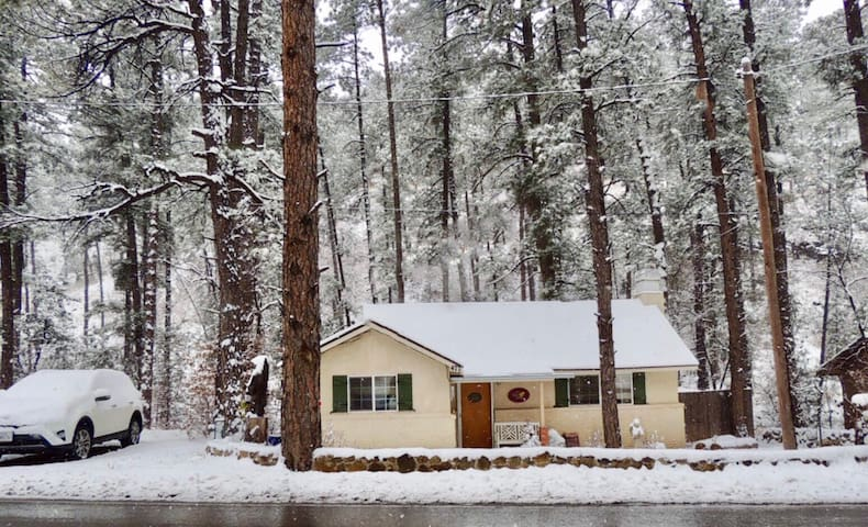 Charming Cottage in the Cool Pines! - Ruidoso - Banglo