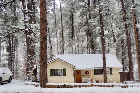 Charming Cottage in the Cool Pines! - Ruidoso - Domek parterowy