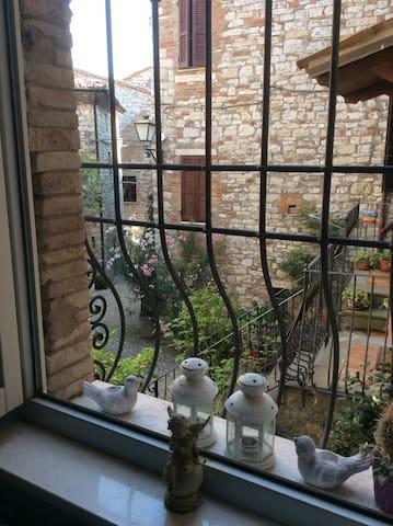 casa medievale  ristrutturata - Acqualoreto - Appartement
