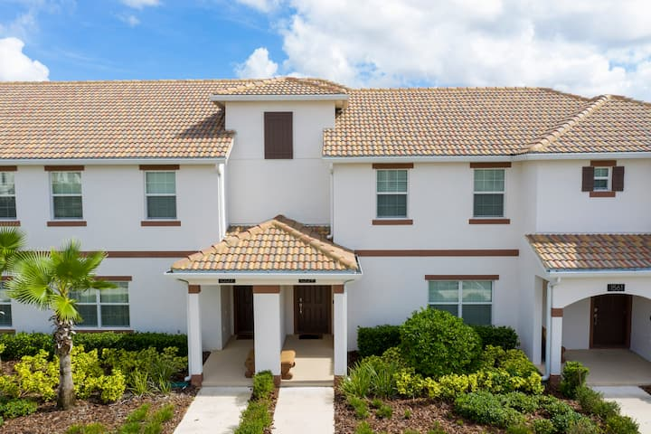 Stunning Four Bedroom w/ Screened Pool Close to Disney 1559