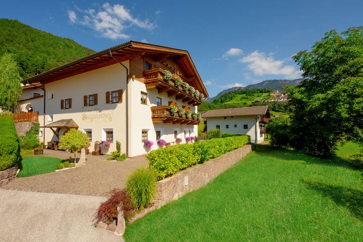 Sonnenresidenz Holiday room - Tisana - Departamento