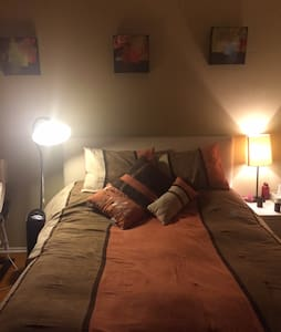 Cute cozy guesthouse in the middle of fruit garden - Glendale - Apartment