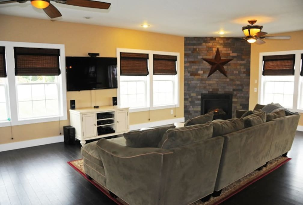 Living Room w/ Propane fire place