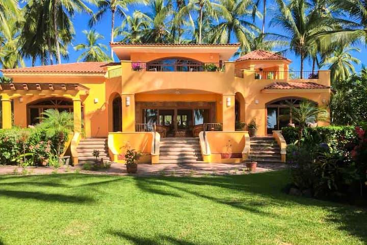 Elegant beachfront villa!