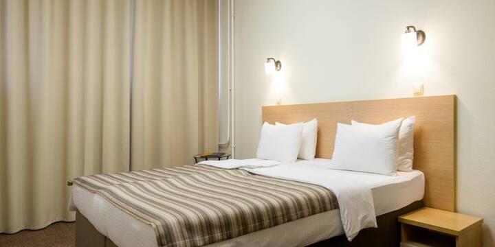 Стандартный двухместный с одной большой или двумя отдельными кроватями в Comfort Nsk Hotel