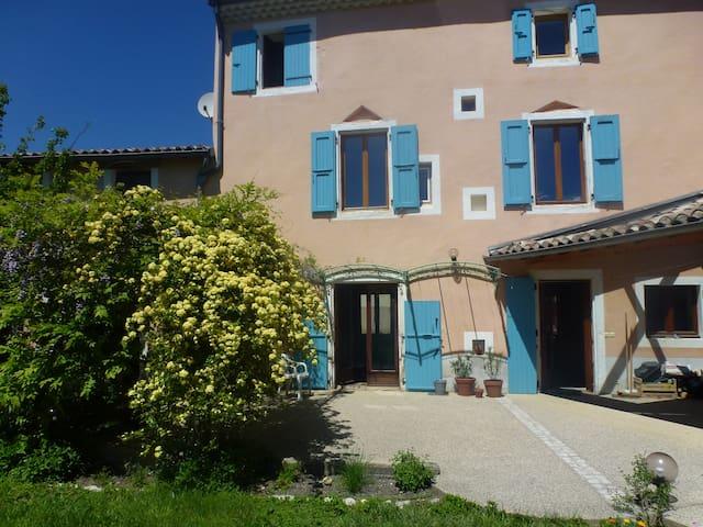 Maison de village avec jardin clos - Saou - Casa