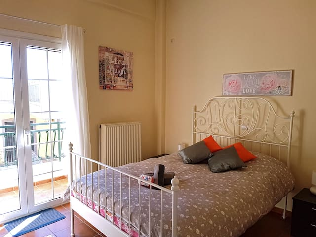 Free Transfer*Cozy room near Athens airport!
