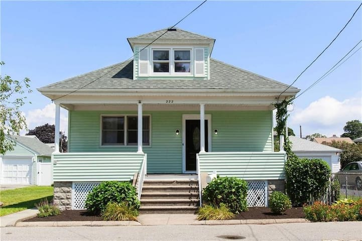 Private Bedroom Minutes Away From Providence DT