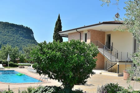 6 Sleeps House With Pool In Garda - Garda