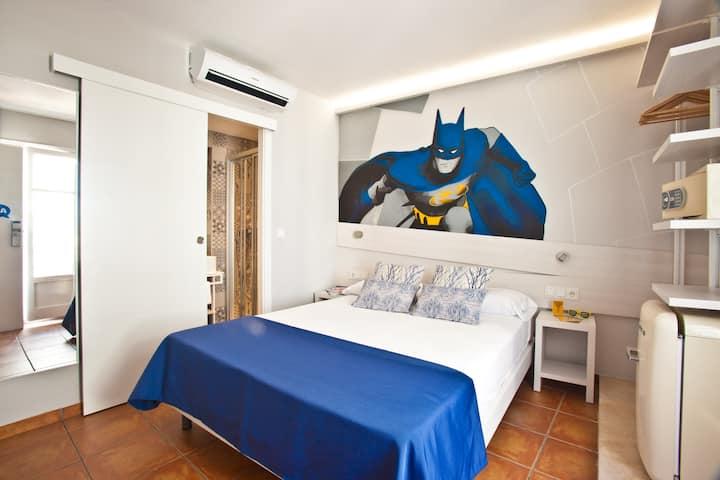 Premium Double Room with free Wifi in Port of Ibiza - Ryans La Marina