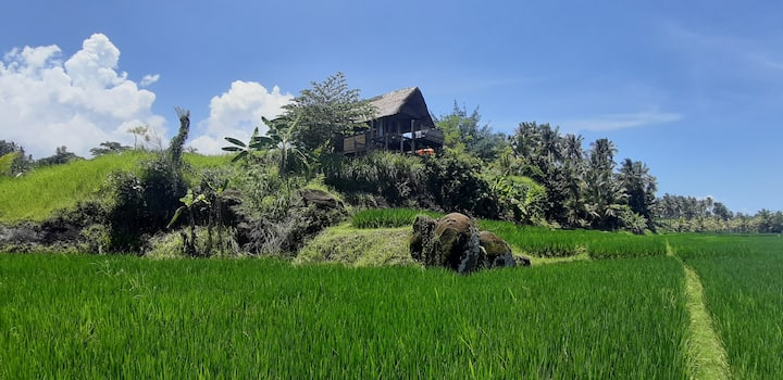 Bali Batu Beach Hut at Matekap