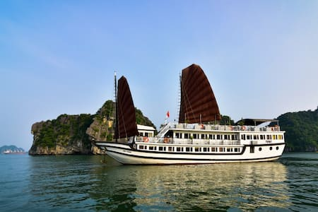 Deluxe Halong Bay 2Days/1Night (3***) - Hàng Trống - Boot