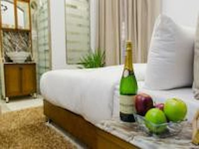 Queen Bed for Couple in Paris Hotel with Breakfast