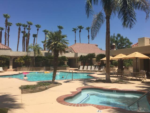 Available for Coachella & Stagecoach Sleeps 4-6