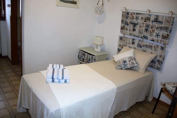Camera singola con bagno in camera - Porto Garibaldi - Hus