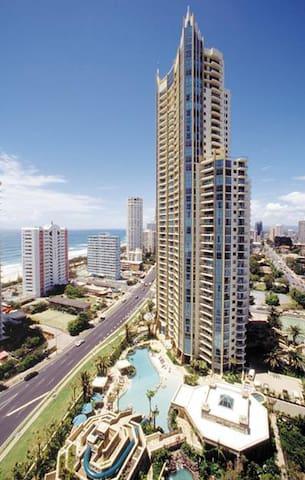Sun City Resort apartment with great ocean views