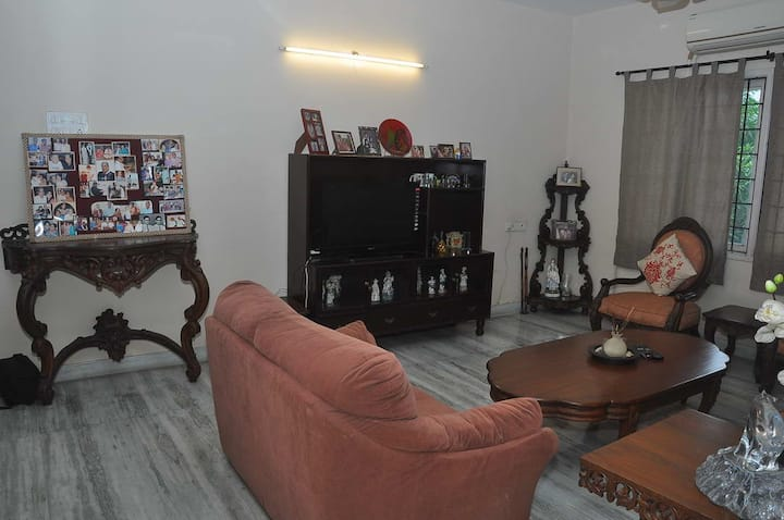 Geetha's elegant, comfortable and safe home-stay
