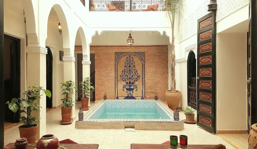 Riad home with pool to enjoy with friends!