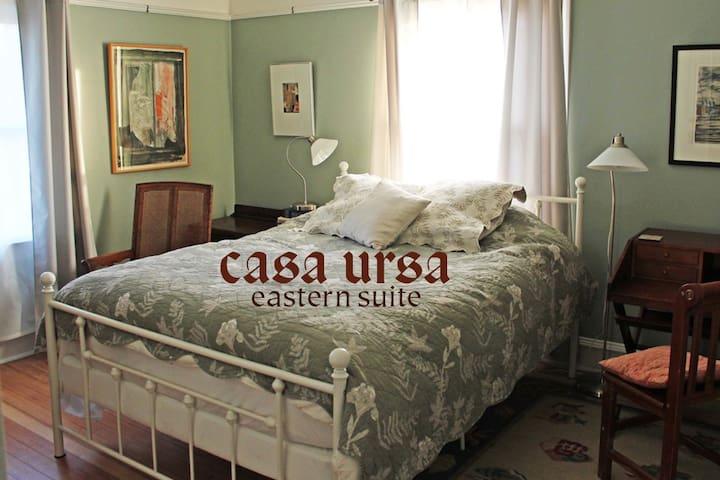 Casa Ursa: Eastern Bedroom