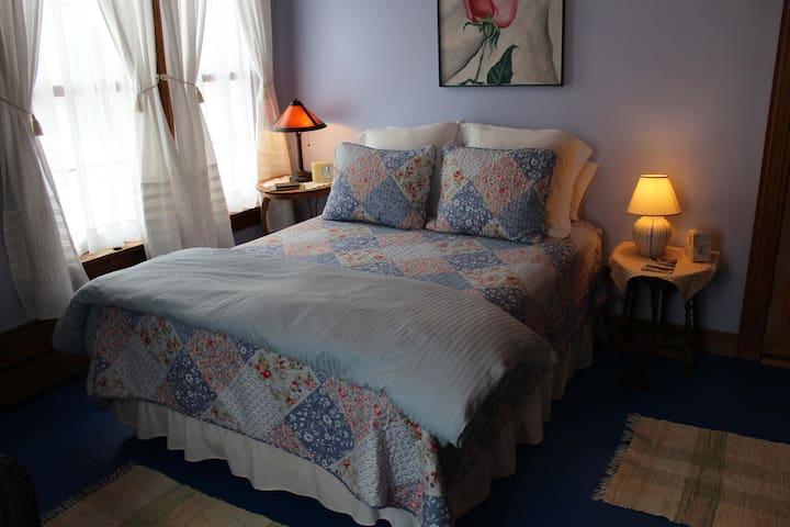 Fawn Ridge Room