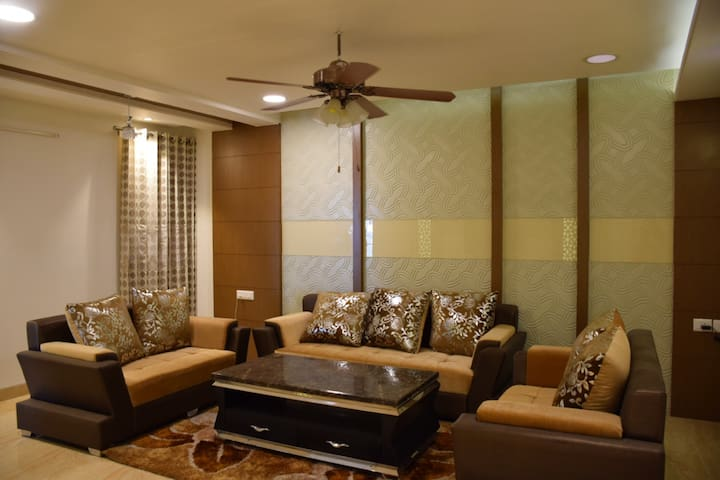 Entire 2 BHK Spacious Apartment at Jaipur - Jaipur - Leilighet