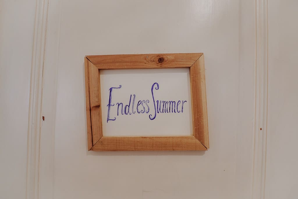 Room Endless Summer