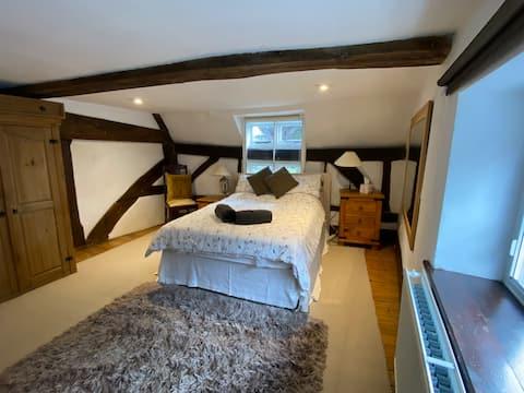 Charming 16th Century Cottage