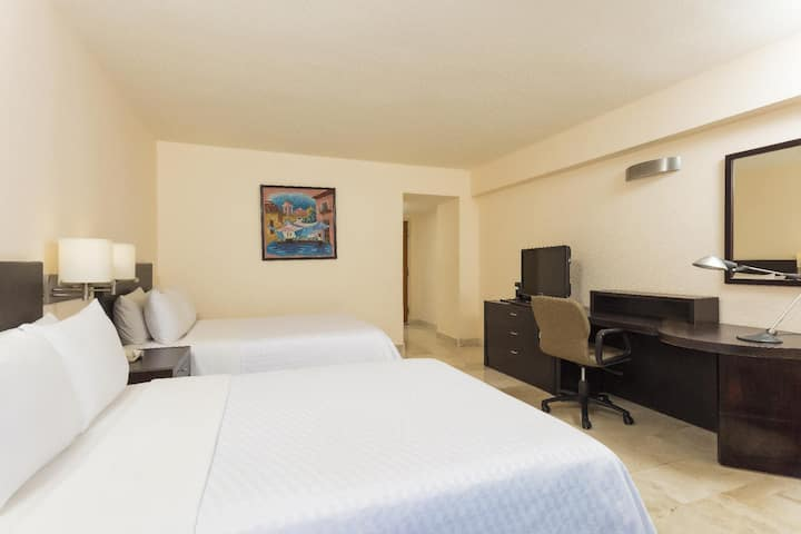Classy Room Superior Two Double Beds At Veracruz