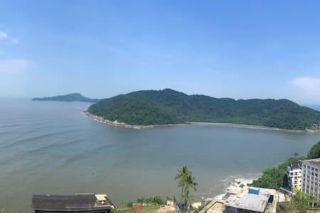 Loft vista livre do mar com ar condicionado 7andar