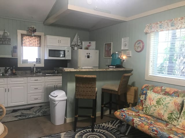 Pet Friendly Cottage (#2) in DT Port St Joe