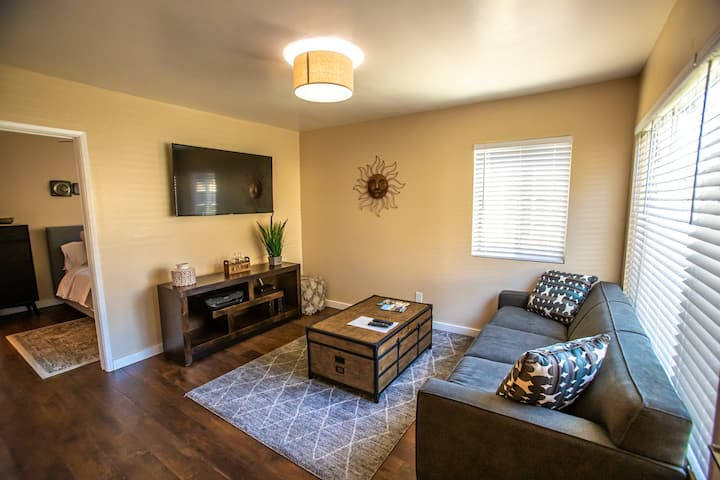 Executive 1BR in Pacific Beach w/AC