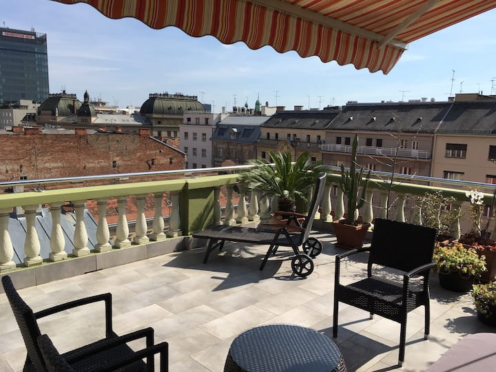ZAGREB ROOFTOPS APARTMENT