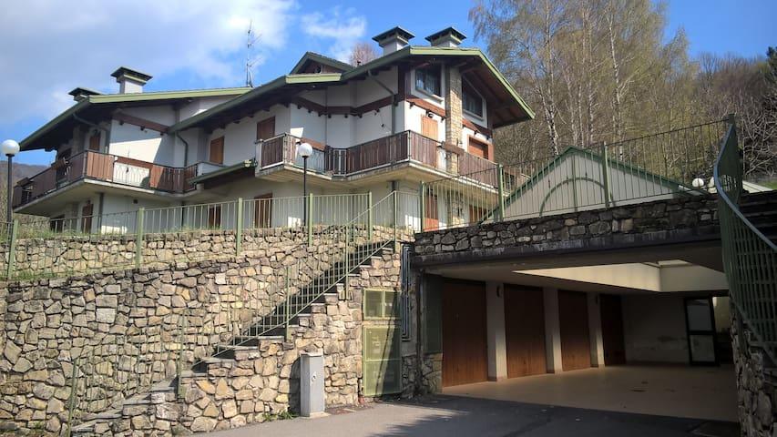 Piano Terra - Appartamento in villa 7 posti letto - Selvino