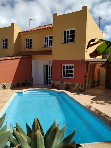 Entire House, Private Pool, Piscina Privada