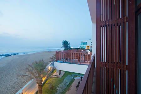 Basic stay @ Surf Turf - Kovalam - Bed & Breakfast