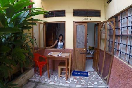 La Casa de Vanesita - central, quiet, Ayahuasca:) - Leilighet