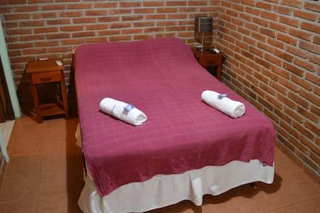 Confortable Habitación Matrimonial en Yvy Pyta
