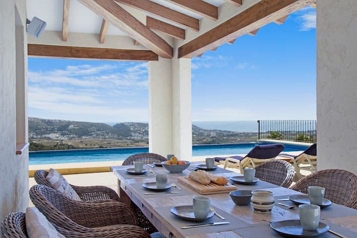 Private domain with luxury villa & panoramic views